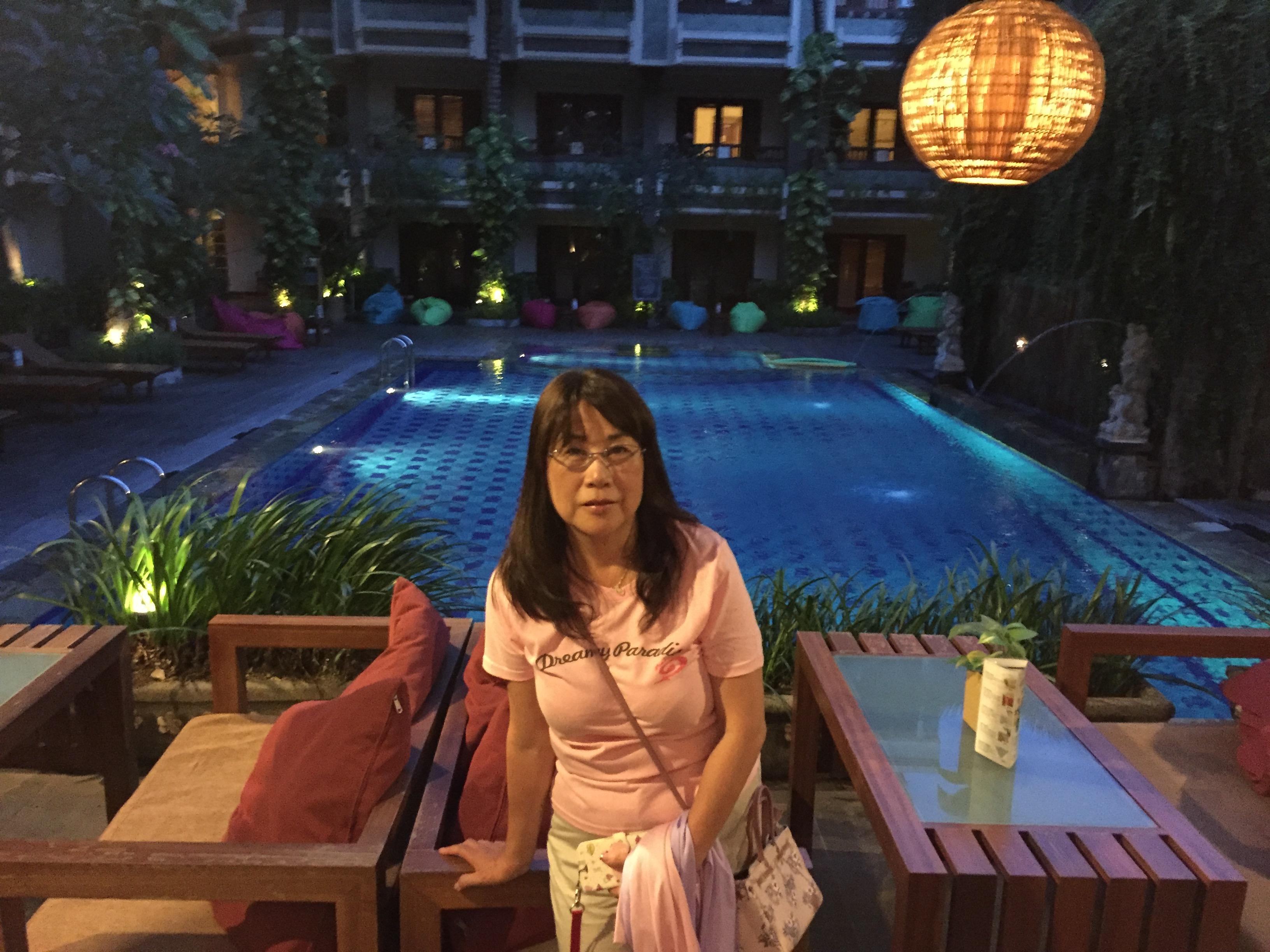 ビラバリホテル(バリ島)夜