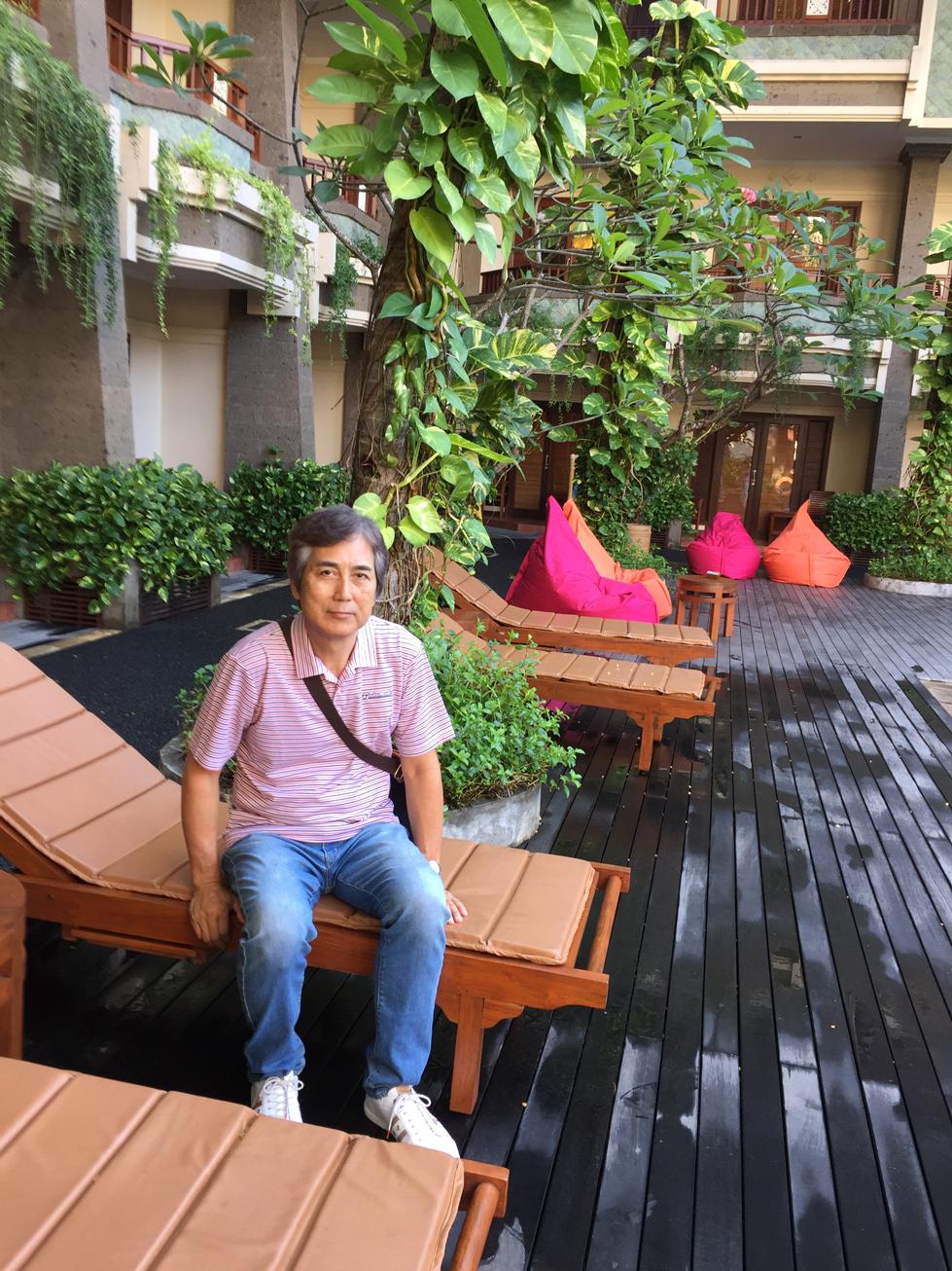 ビラバリホテルプールサイド