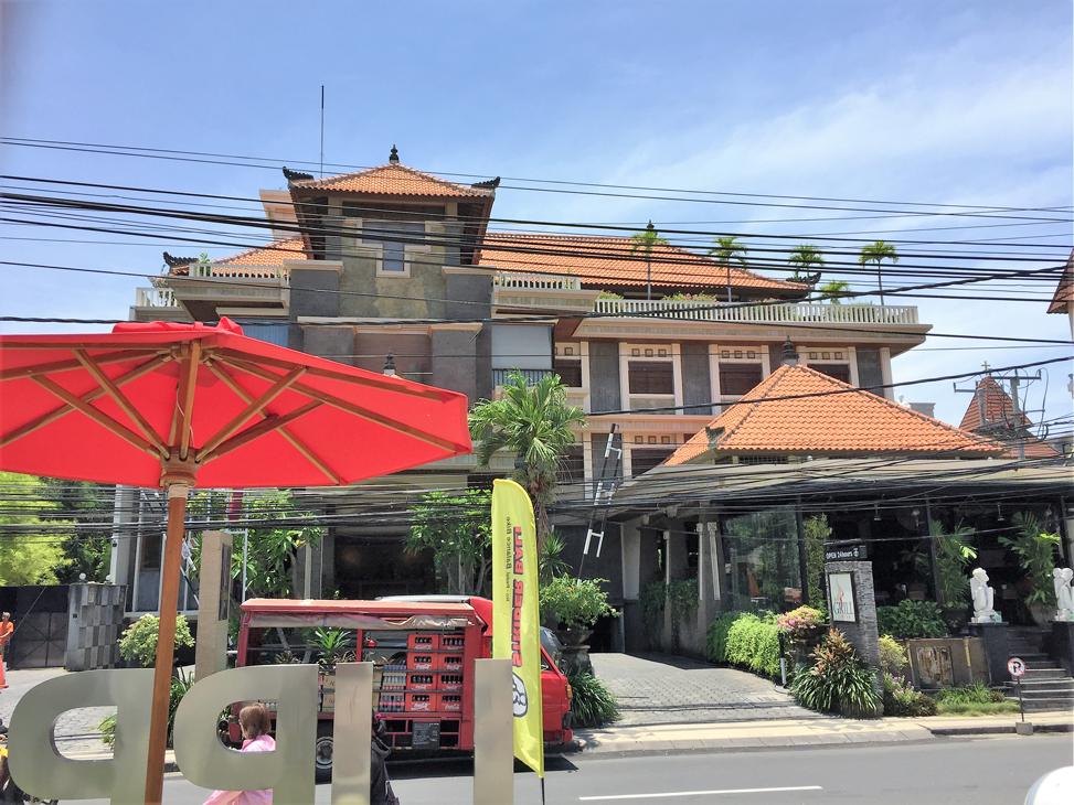 ビラバリホテル