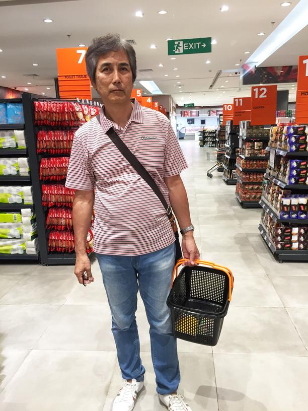バリ島スーパーマーケットで買い物